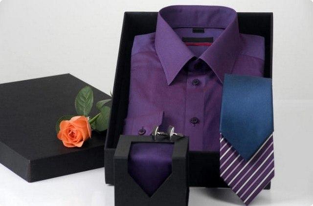 можно преподнести набор галстуков, рубашку