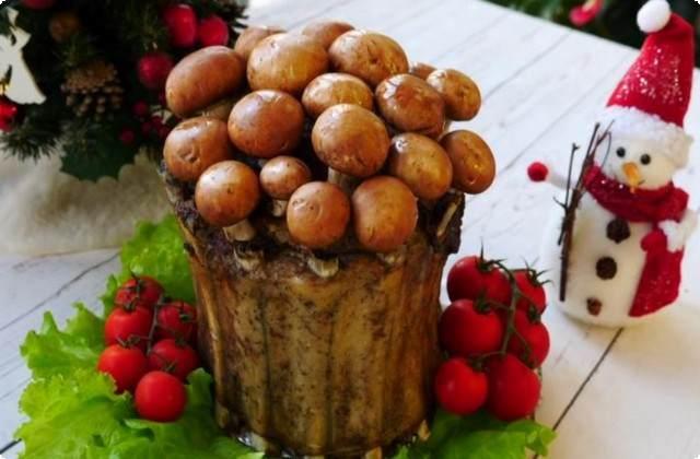 Мясной пенёк из ребрышек свинины с грибами